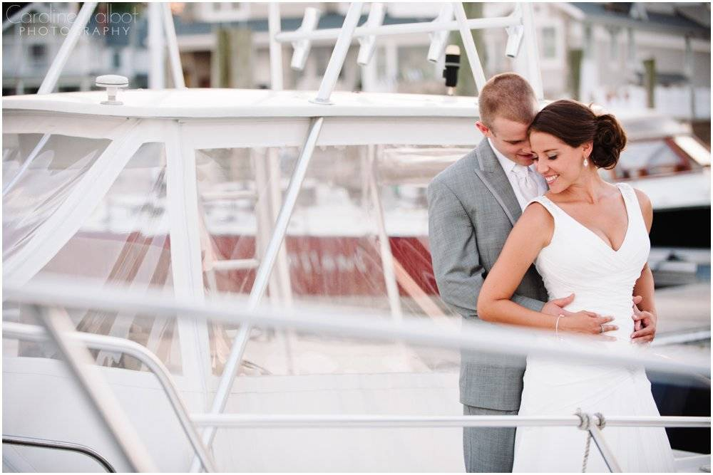 Pine Orchard Yacht and Country Club Wedding_0014